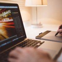 PERIODISMO Y COMUNICACIÓN EN QUIEBRA: ZOMBIFICACIÓN 2.0